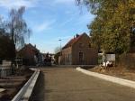 Na een lange lijdensweg liggen de rioleringen op hun plaats en kan het kruispunt met de Herdebeekstraat afgewerkt worden.